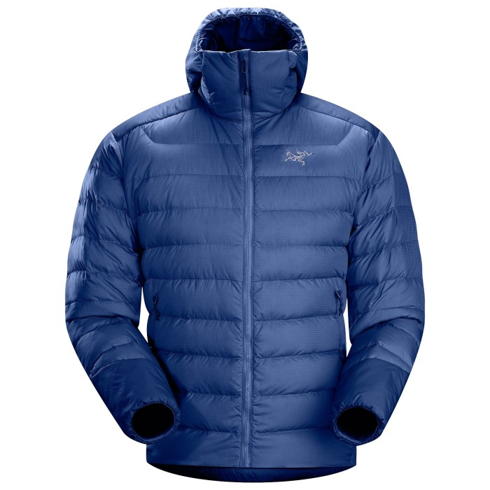 This down jacket features a hoody and synthetic insulation on the hem, collar, sleeves and underarms which are areas prone to moisture.