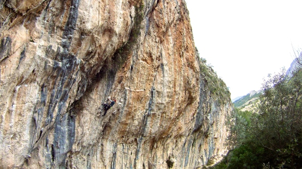 Climbing in Sella, The wild Side