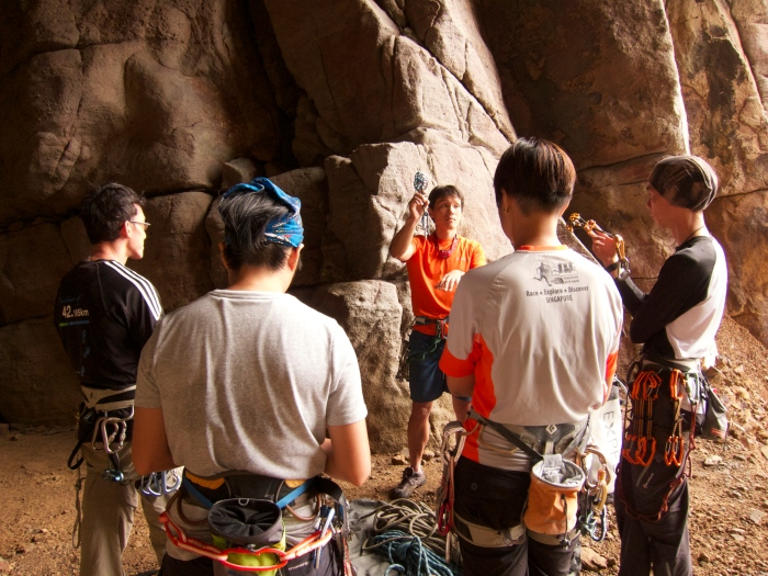 Learning to place gears! The first lesson in Second Cave! Great outdoor classroom when it showers in Long Dong!