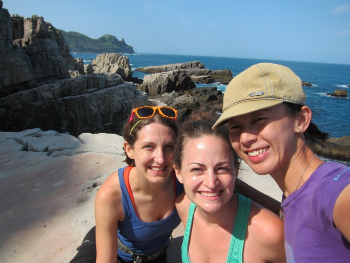 Elenni and Clare from USA is on a girls outing with Kelly!